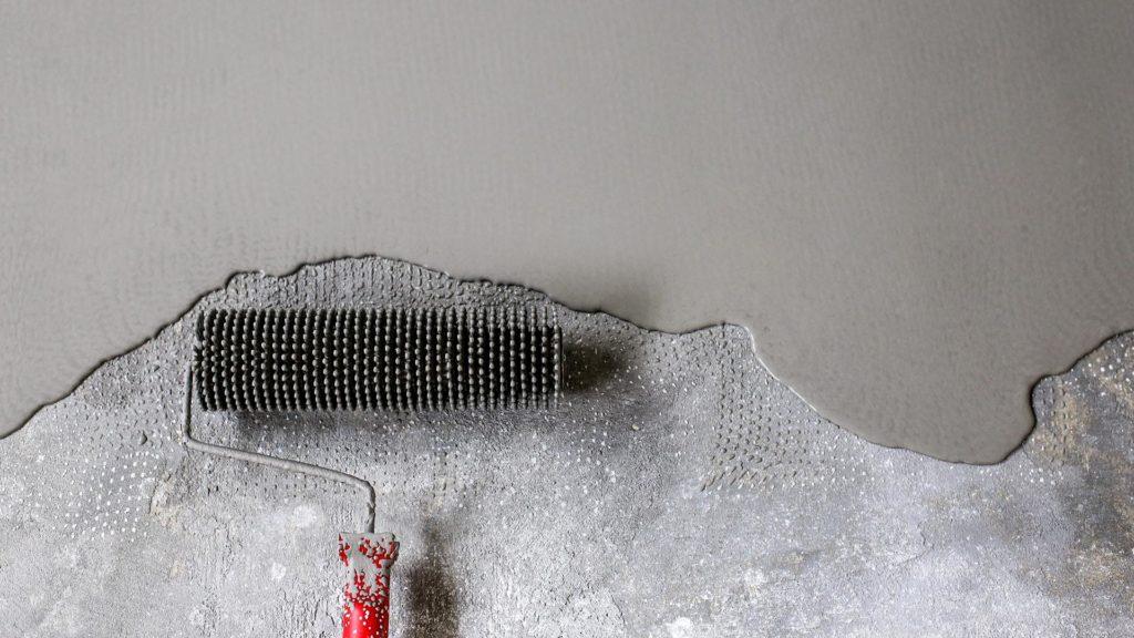 Mörtelbeläge als Untergrund für Bodenbeschichtungen aus Kunstharz