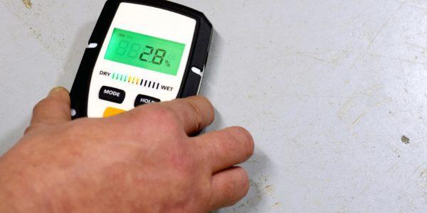 Untersuchung der Feuchtigkeit in Industrieböden